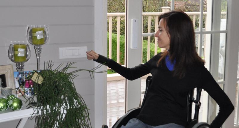 Casa domotica per anziani e disabili cozzolino s r l for Arredamento casa per disabili
